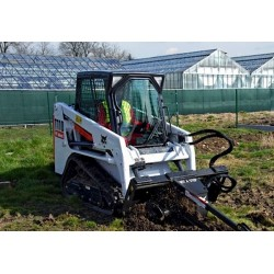 T110 COMPACT LOADER on Tracks BOBCAT